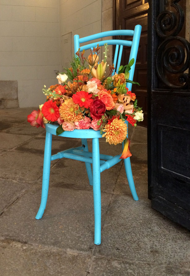 temps-de-flors-blue-chair_urbangardensweb
