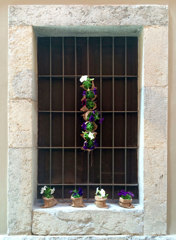 temps-de-flors-window-planters-urbangardensweb