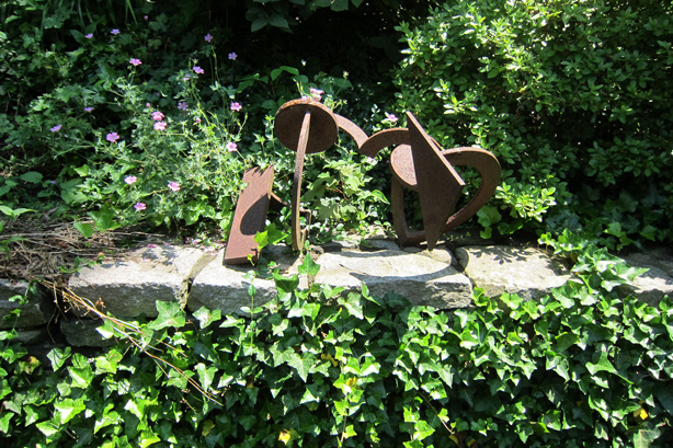 Connecticut-house-and-garden-sculpture-robin-plaskoff-horton-urbangardensweb