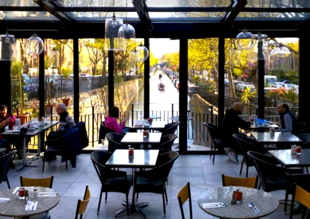 Cafe Laville overlooks canal in London's Little Venice