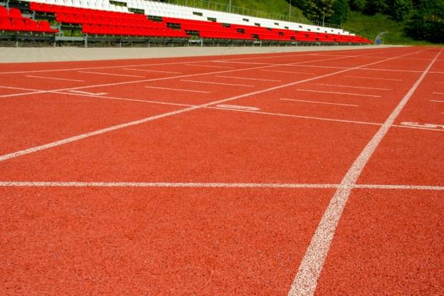 bieznia-do-biegania-na-stadionie-1499620893avy