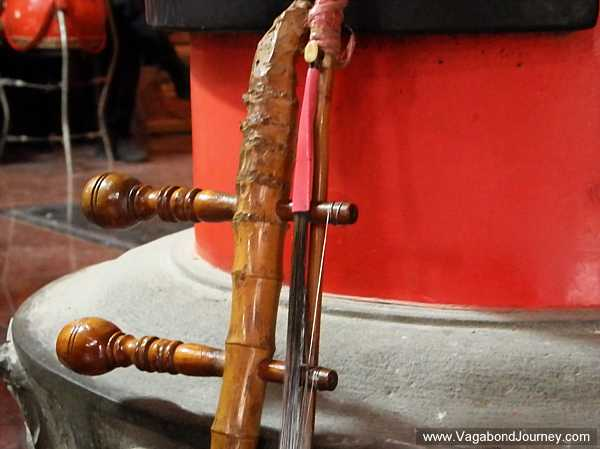chinese-fiddle-headstock