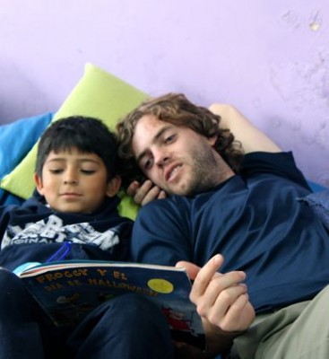 working with kids abroad, voluntourism