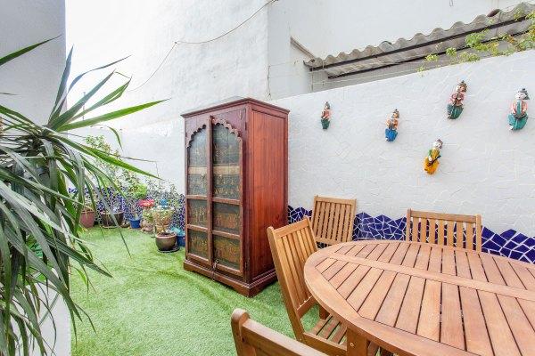 appartement meubl louer pr s du fameux quartier ruzafa valencia flat rental. Black Bedroom Furniture Sets. Home Design Ideas