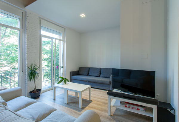 Fully Furnished Apartment For Rent In The Center Of Valencia, Very Bright  And Modern Design | Valencia Flat Rental