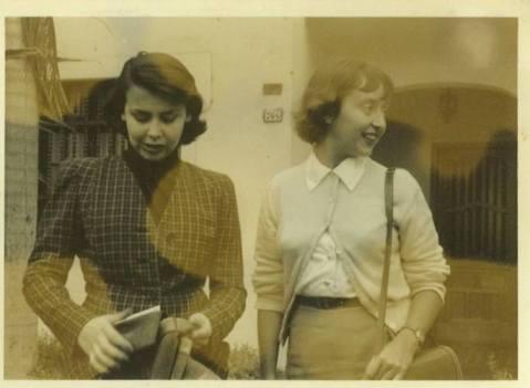 blanca y pepa benavides en sta beatriz lima sf Foto autor desconocido  Archivo Blanca Varela