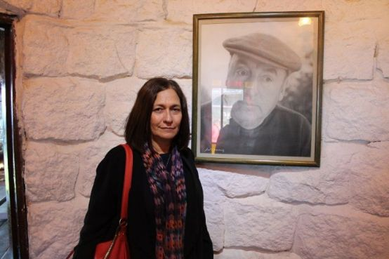 La poeta Reina María Rodríguez en Isla Negra, casa de Pablo Neruda