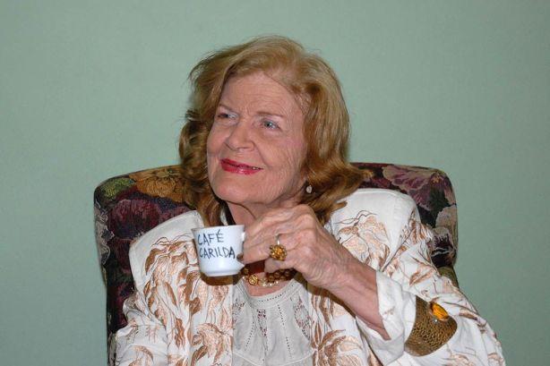 Carilda Oliver Labra premio Nacional de Literatura, en la presentación del café en honor a ella, en el centro Comercial Variedades de la provincia de Matanzas, el 15 de febrero de 2010 Foto: Marisol Ruiz Soto