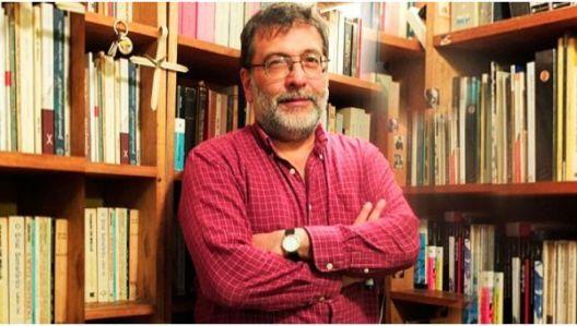 El poeta y director del FIPLima, Renato Sandoval Bacigalupo