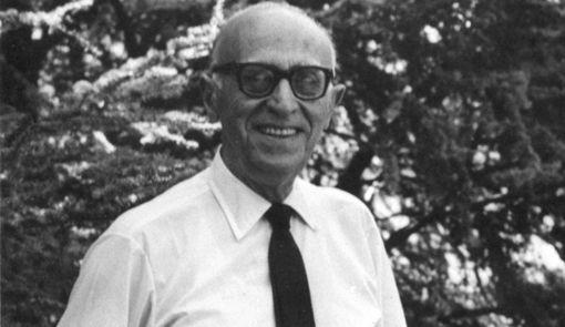 El poeta Juan Larrea.