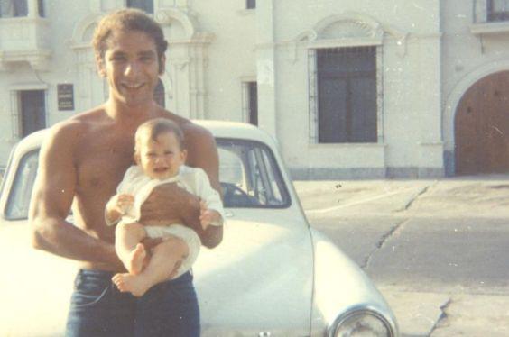El poeta Luis Hernández con su sobrina Techi. Foto: Archivo Carlos Hernández.
