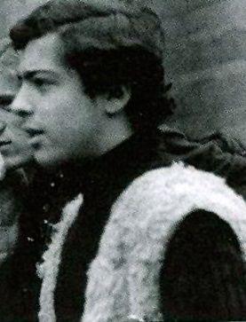 El poeta Eros Alesi de perfil.