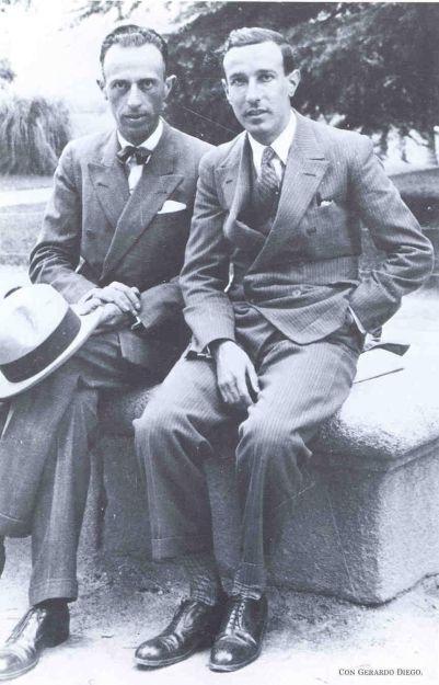 (Izq. a Der.) Juan Larrea con Gerardo Diego, en Madrid.