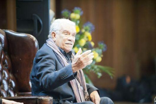 El poeta Derek Walcott