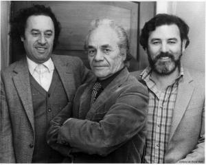 Los poetas chilenos Enrique Lihn, Nicanor Parra y Óscar Hahn. Santiago de Chile 1980. Crédito Archivo Óscar Hahn