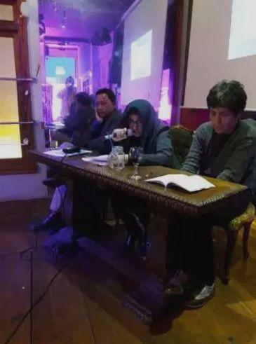 Presentación del poemario, de izq. a der. Juan de la Fuente, Vanessa Martínez y Violeta Barrientos. Lima, 2018