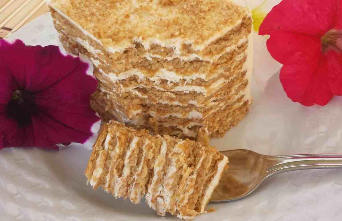 No Bake Honey Graham Cracker Cake