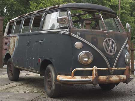 1965 rust and fire damaged 21 Window Deluxe Samba