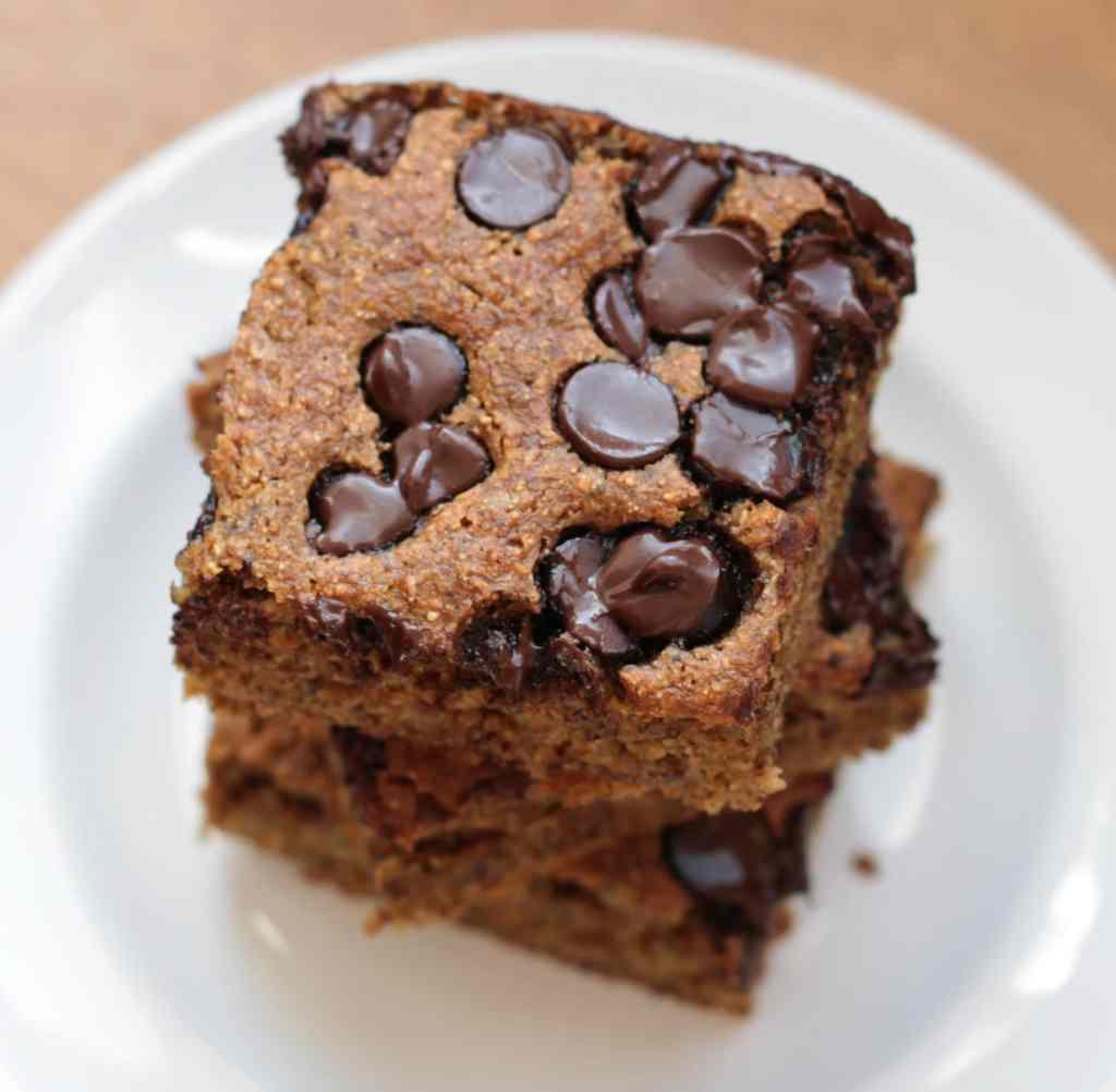 ... to LOVE this refined sugar free Banana Chocolate Chip Snack Cake