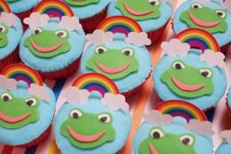 rainbow frog cupcakes