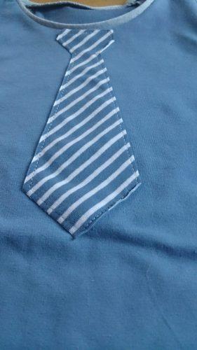 verschiedenArt_jungs_shirt_krawatte