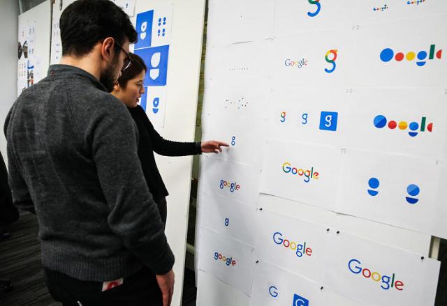 Google-Deciding-its-Logo
