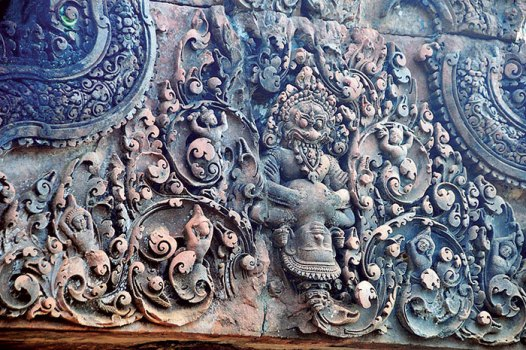 Banteay Srei, Narasimha kills Hiranyakashyapu