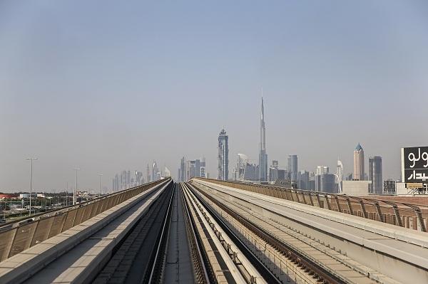 Commuting Lines
