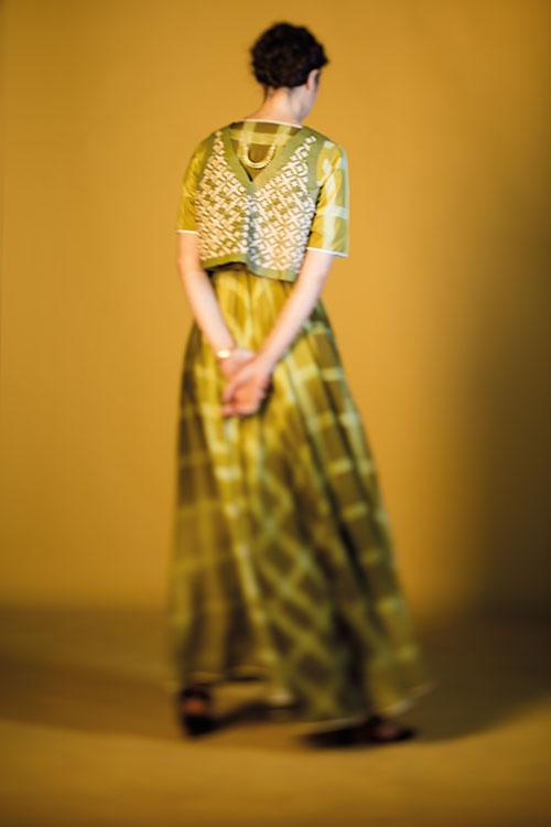 Henna Mehndi Green St : India inked on wearing homegrown hues verve magazine