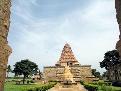 Gangaikonda Cholapuram: housing South India's largest Shiv lingam
