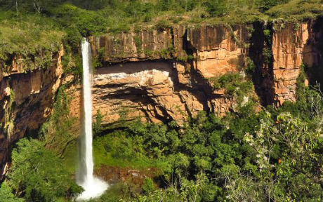 Cachoeira Véu de Noiva na Chapada