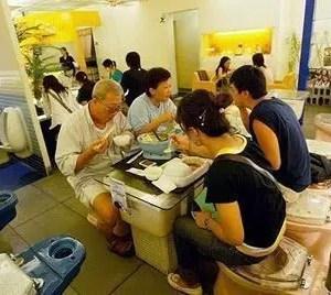 Modern Toilet Restaurant, mangiare in un bagno? Esiste anche questo