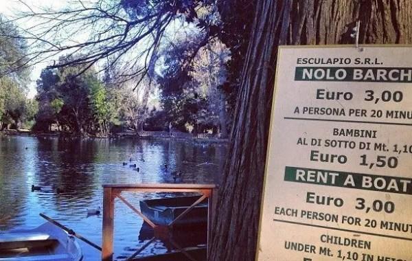 Giro in barca a Villa Borghese, a Roma romanticismo e low cost
