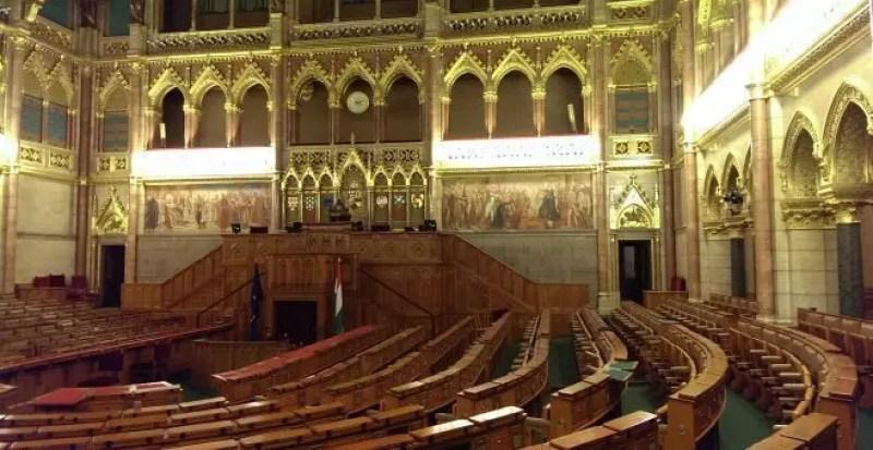 Budapest cosa vedere parlamento for Le due camere del parlamento
