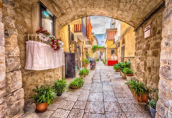 Bari y Zadar, nuevos destinos de Iberia Express para el verano