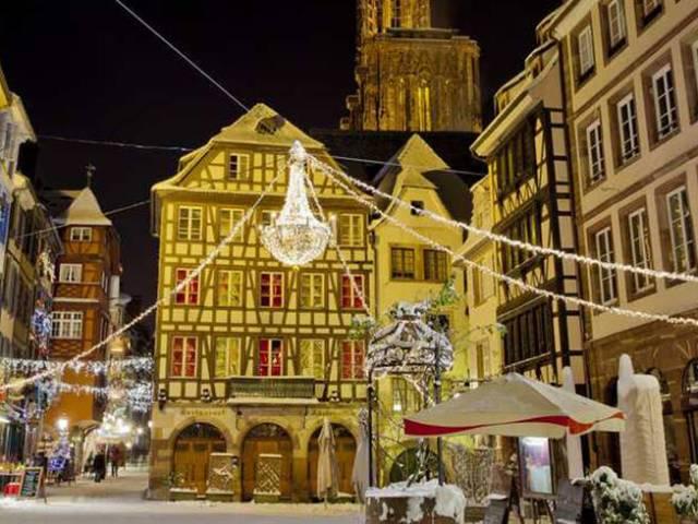 Vuela a la capital de la Navidad ¡GRATIS!