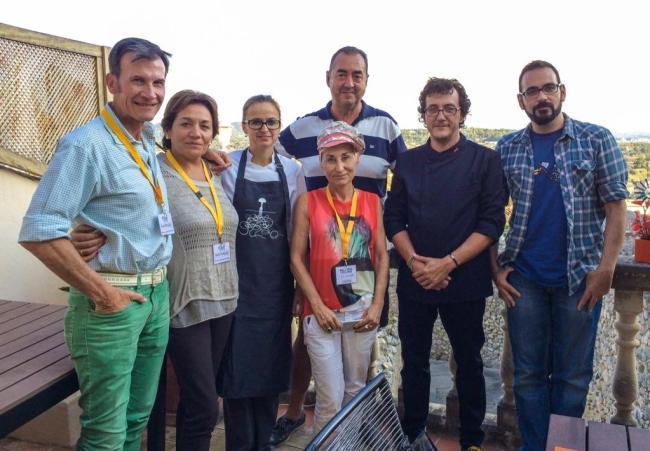 Grupo de comensales blogueros en Miceli. (Foto: Fernando Sancho)
