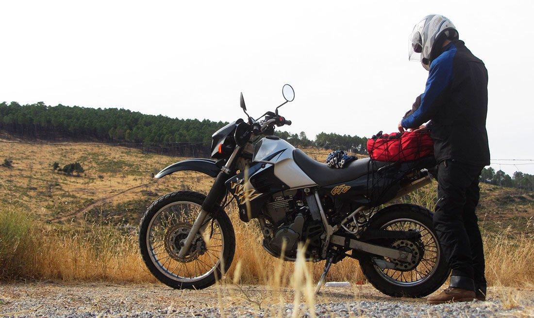 Kawasaki KLR 650 a tope
