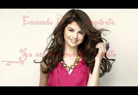 BreMaLi Muevete Cover En Español Shake It Up Selena Gomez