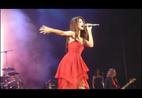 Selena Gomez en Buenos Aires Argentina GEBA Naturally HD