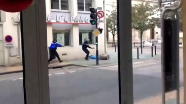 GN-les-gendarmes-interpellent-un-braqueur-en-direct