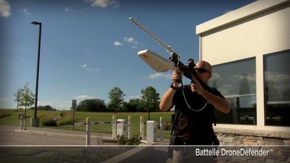 MATOS-battelle-drone-defender-le-fusil-anti-drone-1-2