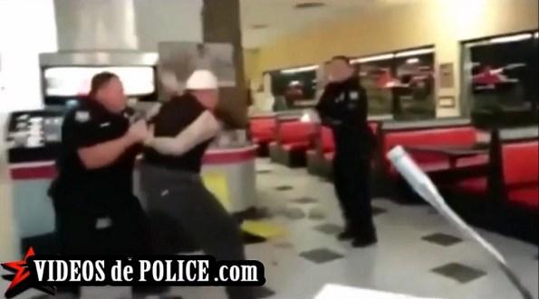 US-un-homme-dechaine-attaque-deux-policiers