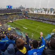 Una comitiva del Villarreal, entre jugadors i autoritats, parteix cap a Buenos Aires