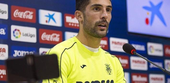 """Álvaro González diu que el Villarreal """"ha d'estar a dalt"""" perquè té plantilla per a açò"""