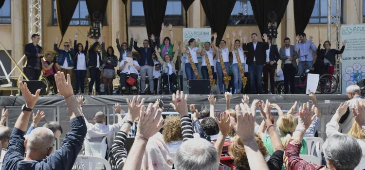 'Acudim al carrer!' visibilitza a les dones amb discapacitat i els majors prenen el Centre de Congressos