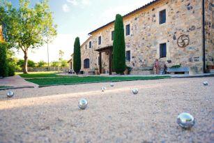 casa-rural-costa-brava-piscina-privada-porche-barbacoa-juegos-villa-mas-figueres-008