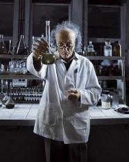 Pour obtenir du vinaigre, deux réactions chimiques successives : la fermentation alcoolique et la fermentation acétique.