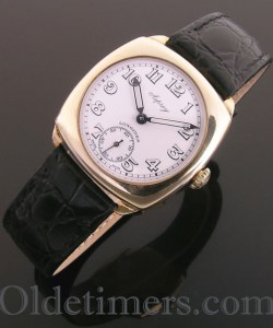 1940s 9ct gold cushion vintage Longines 'Asprey' watch (3610)