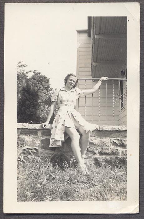 1940s girl in vintage dress